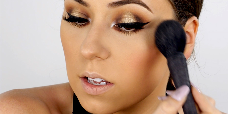 about_page_makeup